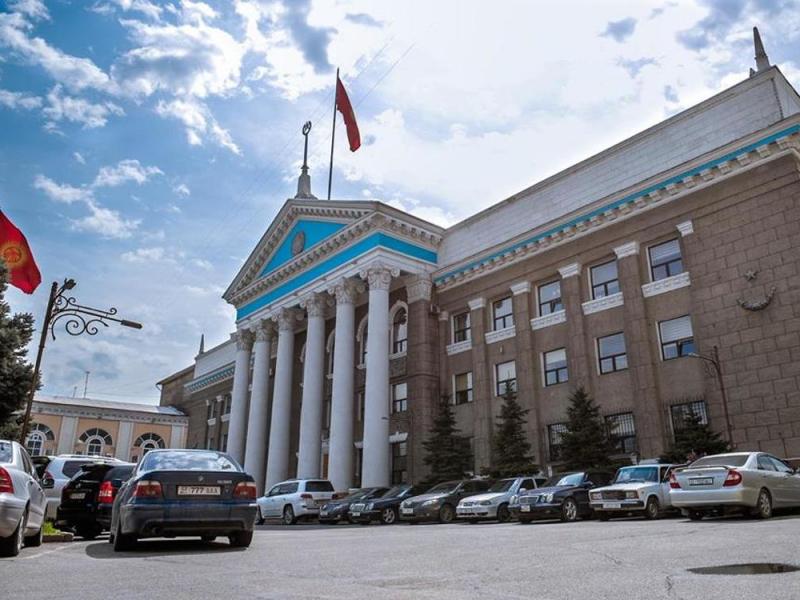 Бишкекда уч ҳафта ичида олтинчи марта мэр алмашди