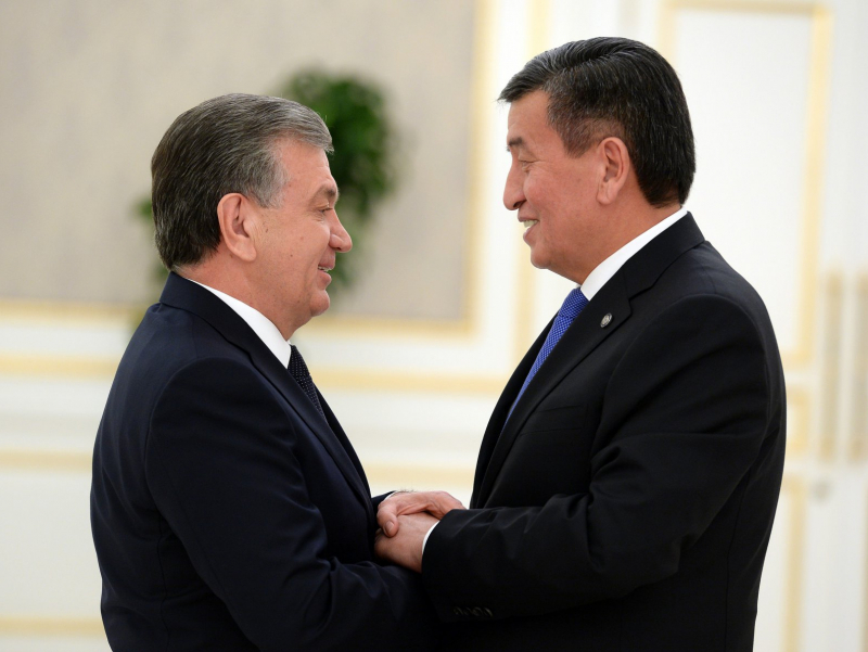 Шавкат Мирзиёев Сооронбай Жээнбековни табриклади