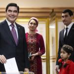 """""""Toychoq bo'lib chopib yurgan toy bola"""". Turkmaniston Prezidentining o'g'li yangi lavozimlarga tayinlandi"""