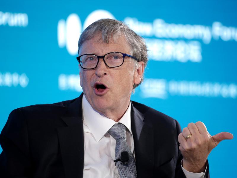Коронавирусдан ҳимояланиш учун уч марта эмланиш керак – Билл Гейтс