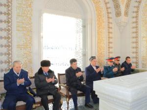 Самарқандда Ислом Каримов хотирланяпти