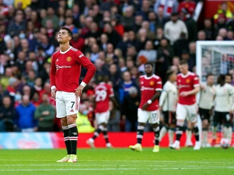 """MYU """"Old Trafford""""da sharmandali hisobda yengildi. Salohdan xet-trik"""