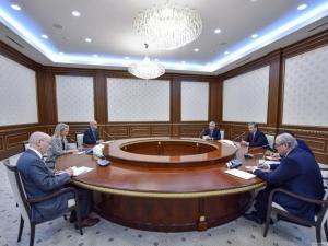 Трамп Мирзиёевга Элис Уэллсдан салом йўллади