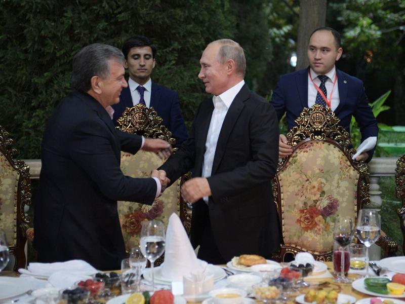 Путин Мирзиёевни табриклади