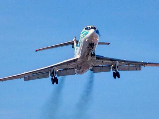 Афсонавий Ту-134 йўловчи самолёти сўнгги парвозини амалга оширди