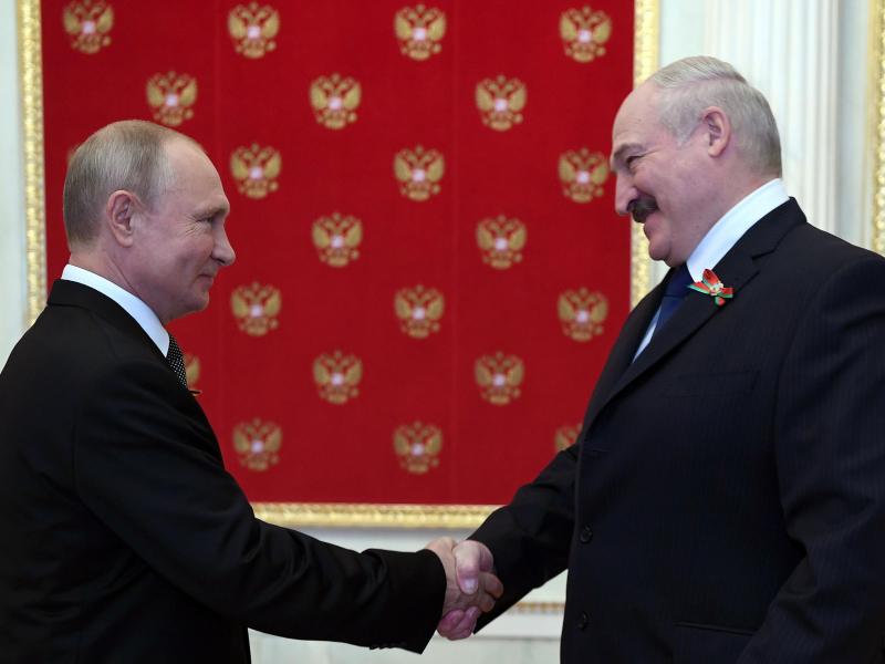 """Rossiya va Belarus o'rtasida kesib o'tilmagan """"qizil chiziq"""" bor — Lukashenko"""
