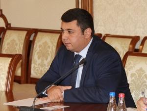 ОАВ: Ўзбекистоннинг Санкт-Петербургдаги консули можароли сурат сабаб ротация қилиняпти