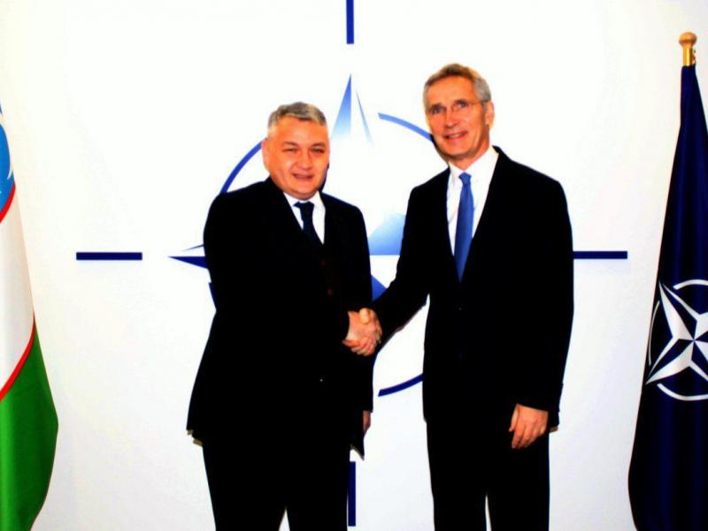 Ўзбекистон Миссияси раҳбари НАТО Бош котиби билан учрашди