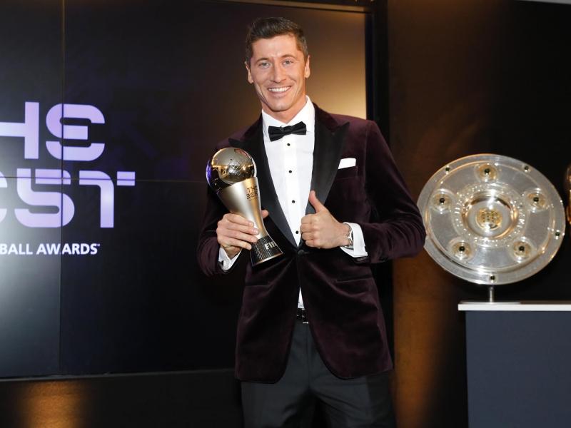 FIFA Левандовскини йилнинг энг яхши футболчиси деб топди