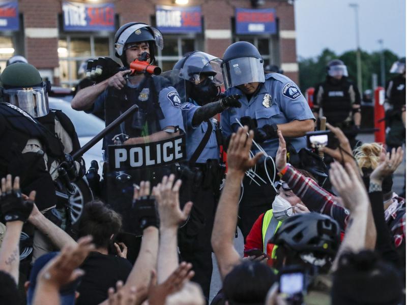 Қўлимизда АҚШ полициячиларининг шафқатсиз видеолари бор – Лавров