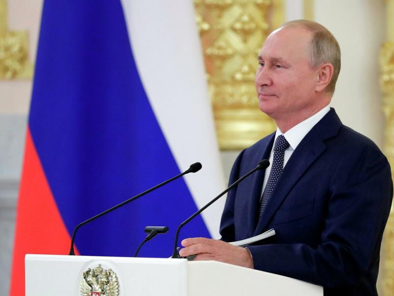 Путин Россия ижтимоий ҳаётидаги муаммолар ва уларнинг олдини олиш ҳақида гапирди