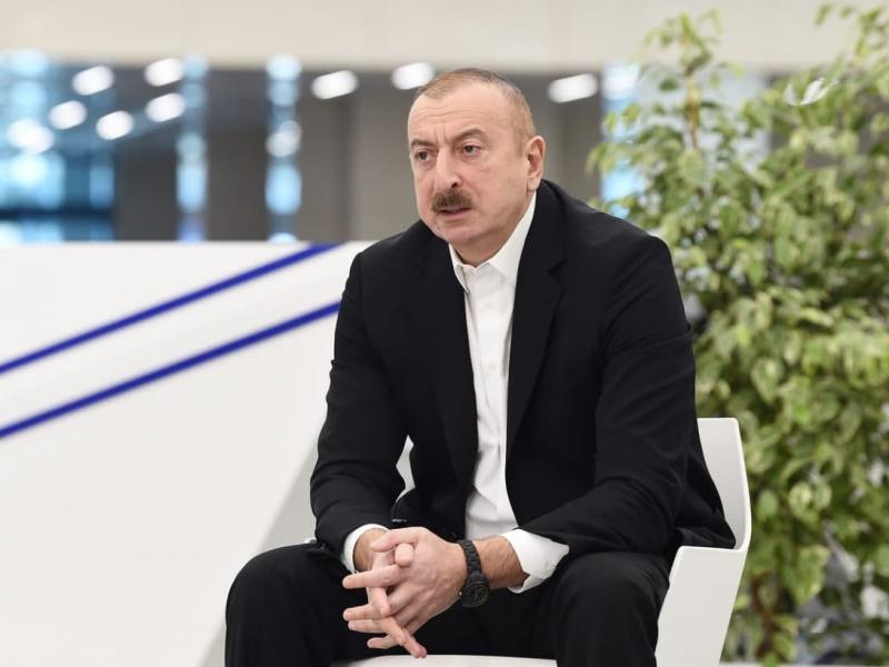Aliyev Armaniston bilan tinchlik bitimi tuzmoqchi. Ikkinchi tomon esa jim