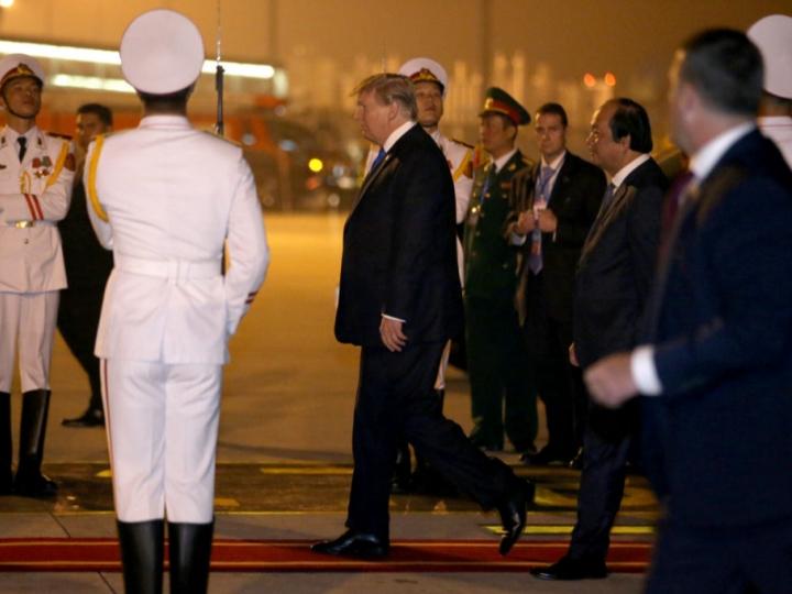 Трамп Вашингтонга қайтмоқда, Ким Чен Ин эса...