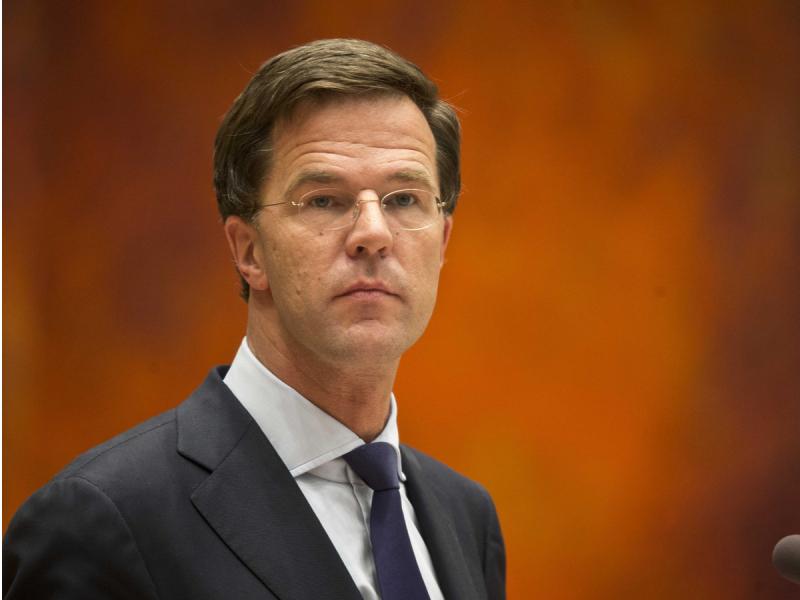 Нидерландия Бош вазири карантин чекловлари туфайли онасини сўнгги манзилга кузатолмади