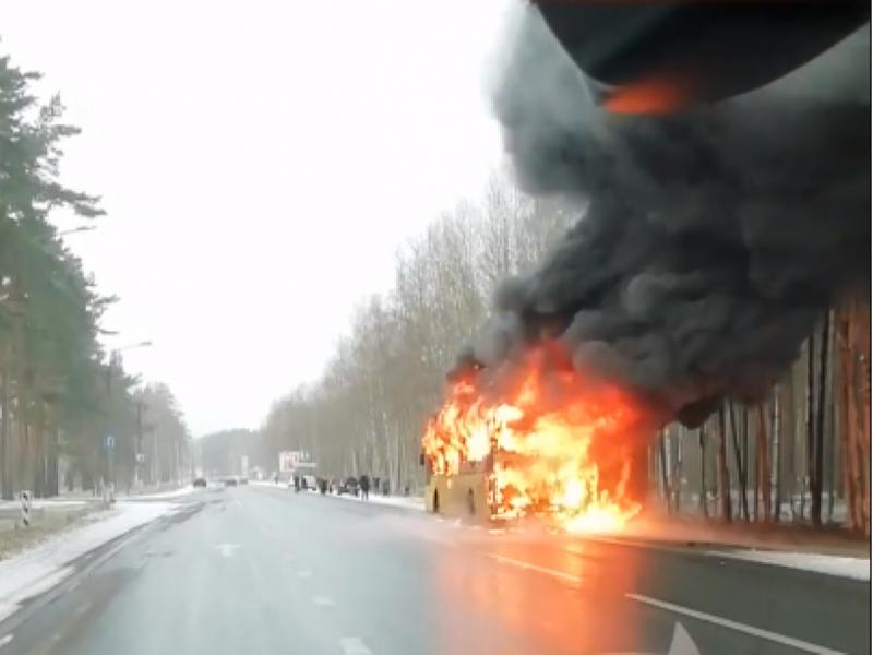 Ўзбекистонлик 50 кишини автобусдаги ёнғиндан қутқарди