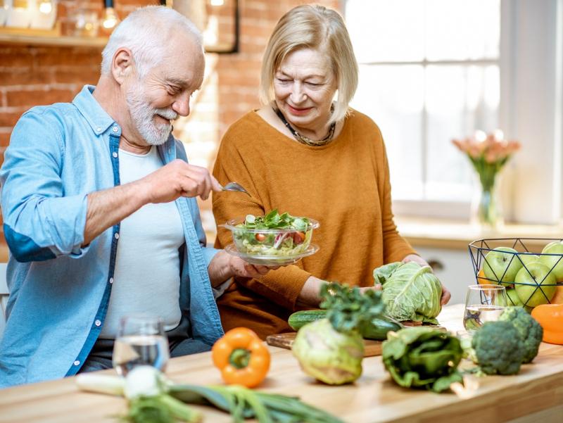 Mutaxassis keksayishni sekinlashtiradigan vitaminni ma'lum qildi