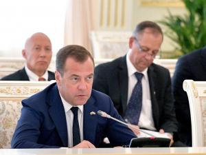 Ўзбекистон билан савдо айланмасини 10 млрд долларга етказиш вазифаси қўйилди– Медведев