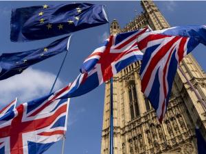 Брюсселда Brexit бўйича шартнома имзоланди