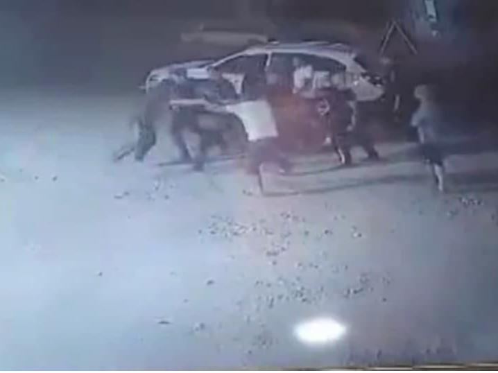 Самарқандда ҳайдовчилар оммавий муштлашув уюштирди (видео)