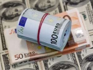 Доллар нархи арзонлади, евро ва рубль эса қимматлади