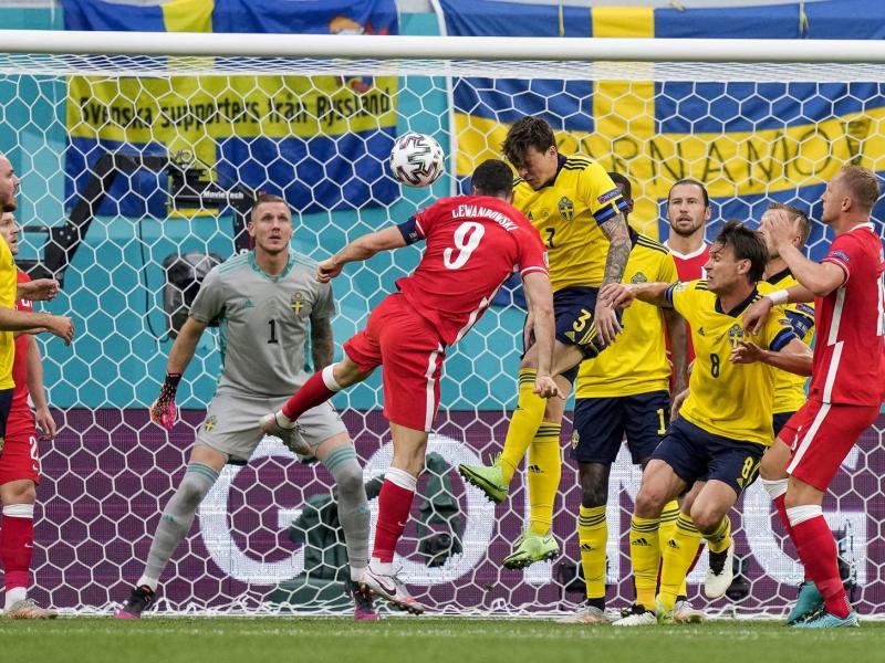 Евро-2020. Испания Словакияни янчиб ташлади, Левандовскининг дубли Польшани қутқара олмади