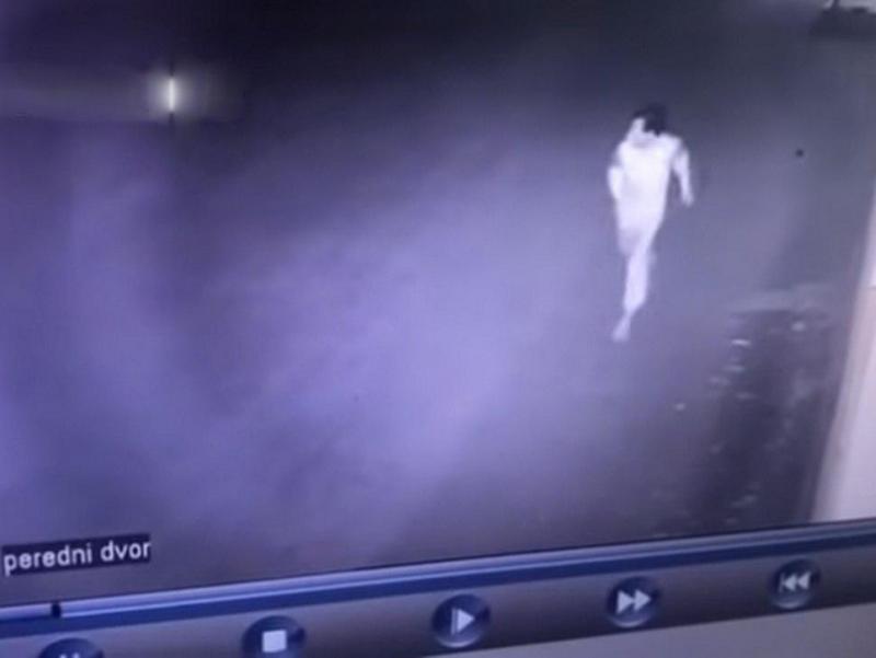 Видео: Икки ўзбекистонлик Уфадаги махсус марказдан қочиб кетди