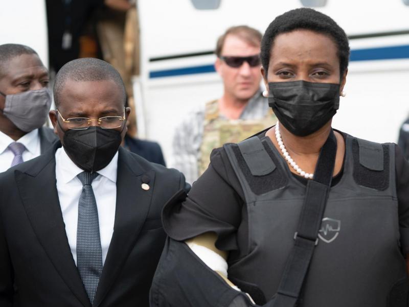 Ўлдирилган Президентнинг беваси Гаитига қайтди
