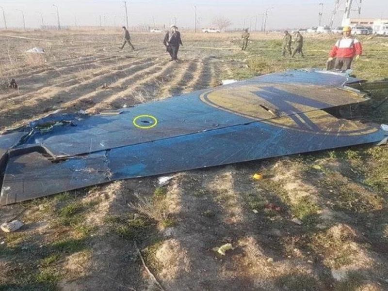 Эрон Украина самолёти икки ракета билан уриб туширилганини тан олди