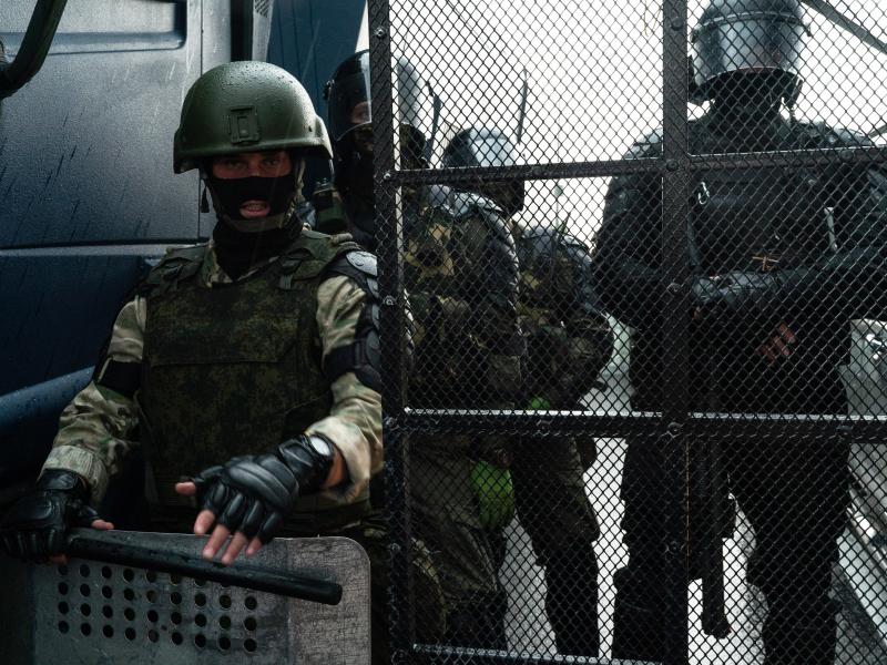 Беларусда яна бир мухолиф кайфиятдаги нашр журналистлари ҳибсга олинди