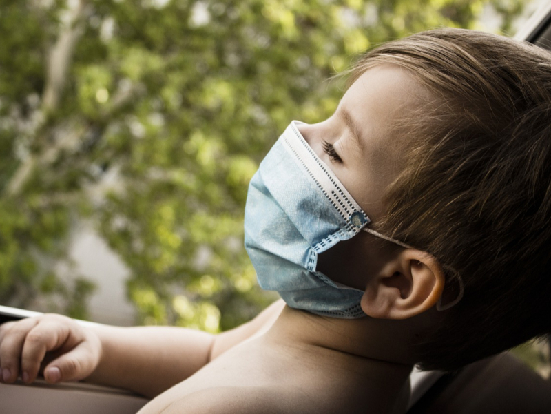 ЖССТ ва UNICEF 5 ёшгача бўлган болаларга ниқоб тақмасликни тавсия қилмоқда