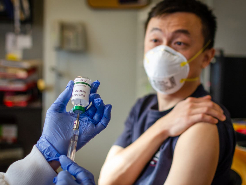 Хитой Ўзбекистонга коронавирус вакцинаси синовларини ўтказиш таклифини берди