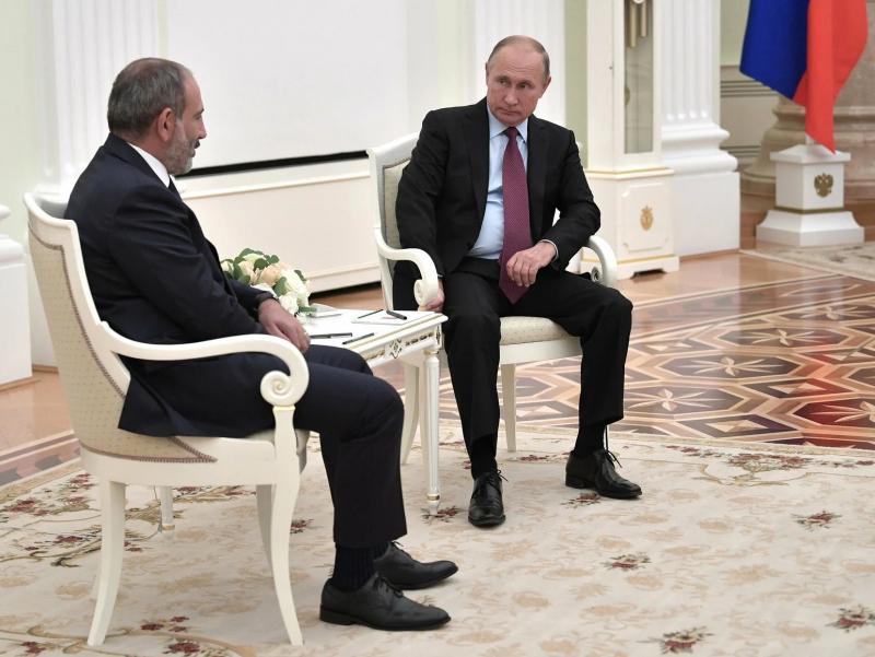Putinning huzuriga kelgan Pashinyan Ozarbayjon bilan chegaradagi vaziyatdan shikoyat qildi