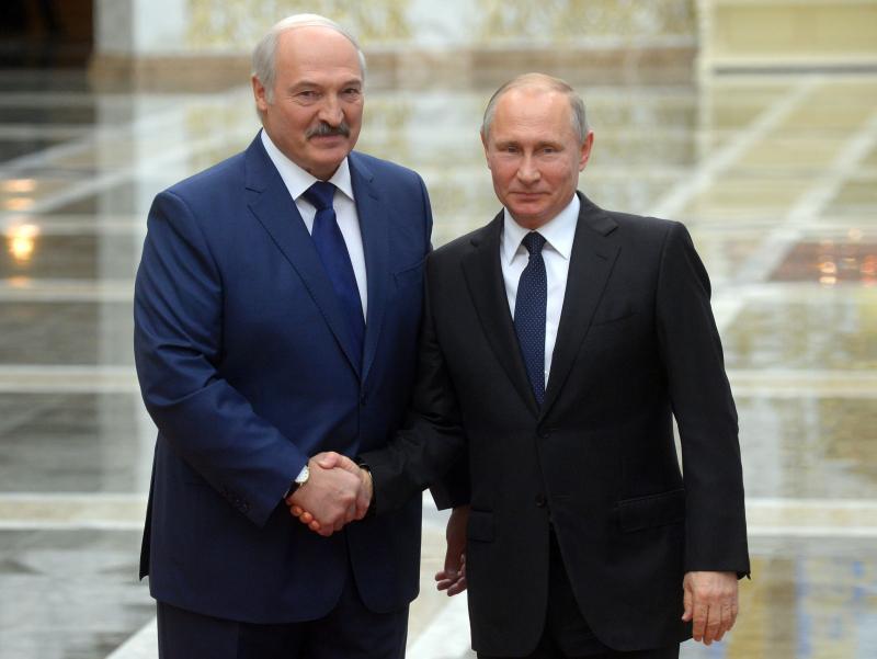 Lukashenko bir yil ichida uchinchi marta Rossiyaga boradi. Bunga sabab nima?