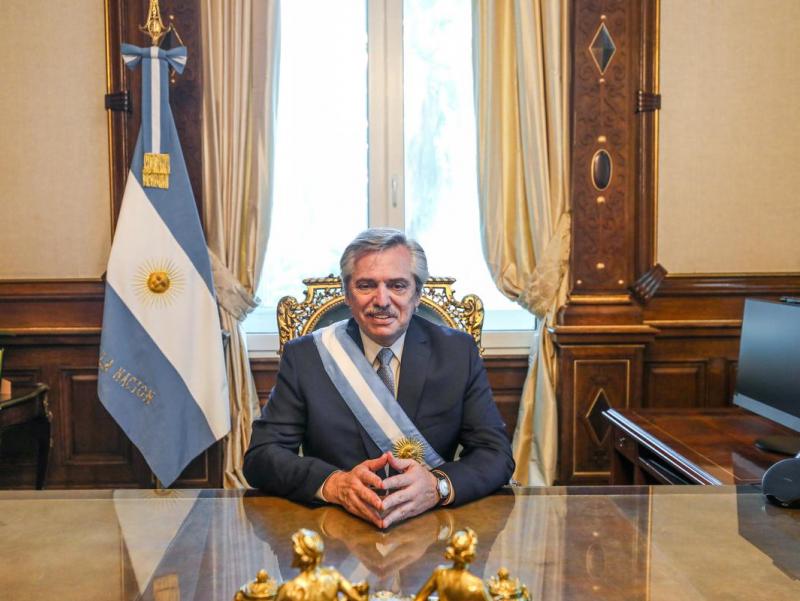 Шавкат Мирзиёев Аргентина Президенти Альберто АнхельФернандеснимай инқилоби билан табриклади