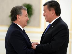 Шавкат Мирзиёев Жээнбеков билан телефонда мулоқот қилди