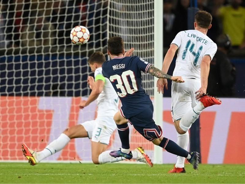 UEFA Чемпионлар лигасининг энг чиройли голи эълон қилинди (видео)