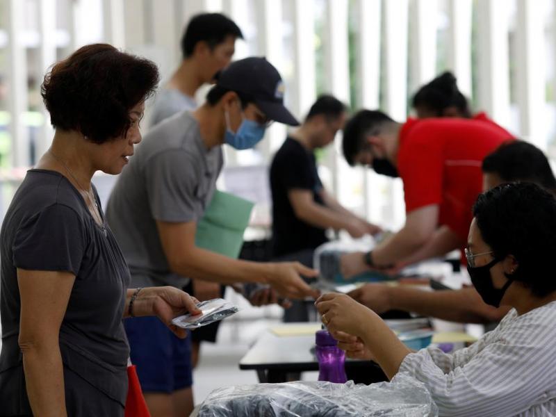 Сингапурда коронавирус сабаб фуқароларга 1 100 доллардан тарқатиладиган бўлди