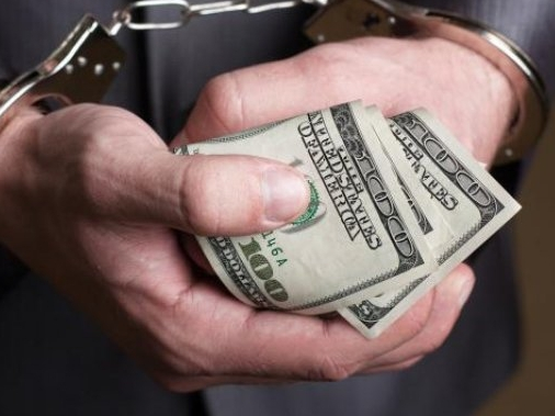 520 минг доллар пора олганликда айбланган депутат ҳибсга олинди