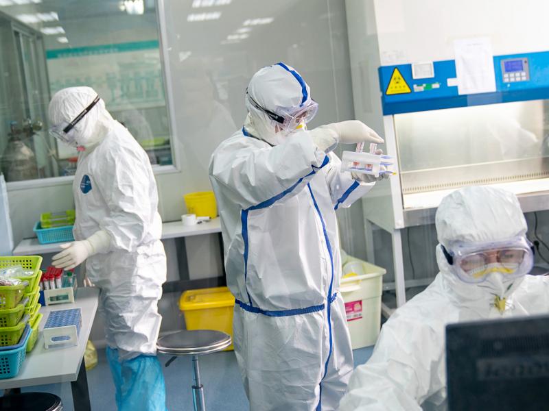 """AQSH COVID-19 Xitoy laboratoriyasidan """"sizgani""""ni isbotlovchi hisobot e'lon qildi"""