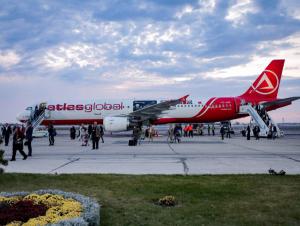 Истанбул-Бухоро йўналишидаги илк чартер рейс муваффақиятли амалга оширилди