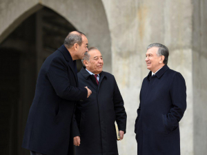 Президент маслаҳатчиси Рустам Қосимовга ректорлик юклатилди