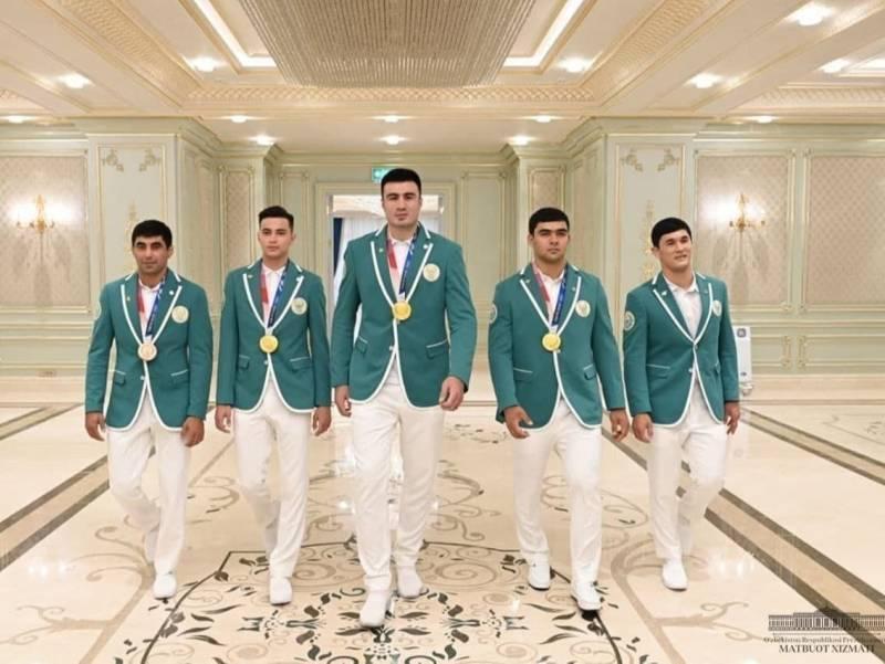 Президент Олимпиада ғолиб ва совриндорларини давлат мукофоти билан тақдирлади