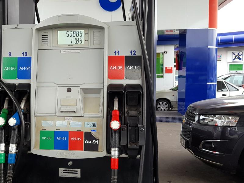 Ўзбекистонда йил охиригача бензин нархи оширилмайди