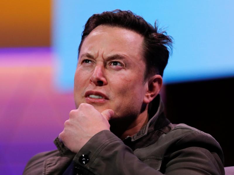 Биткоинга хайрихоҳ бўлган Маск бирдан 15 млрд долларга камбағаллашди