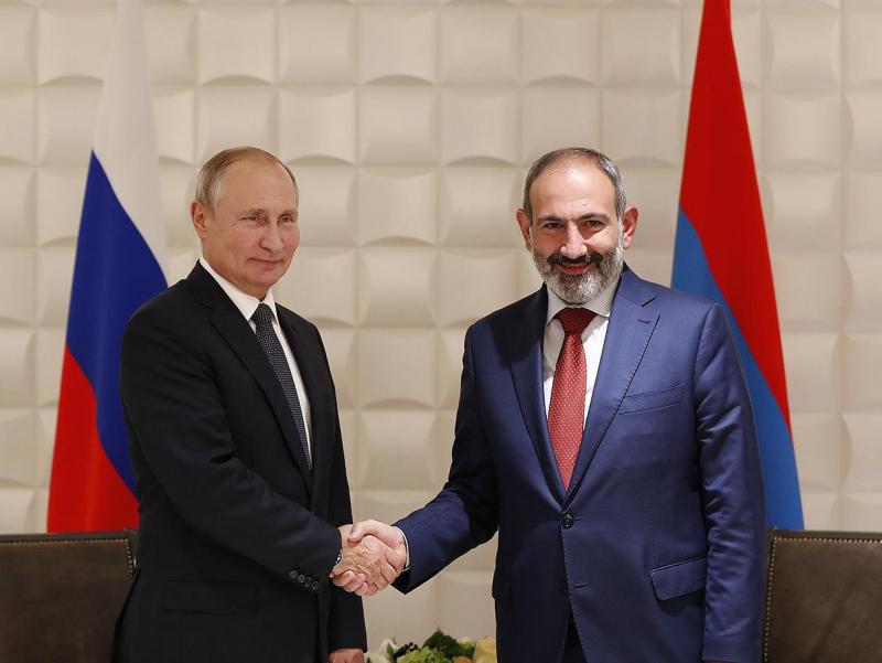 Пашинян Путин билан учрашишни режалаштирмоқда