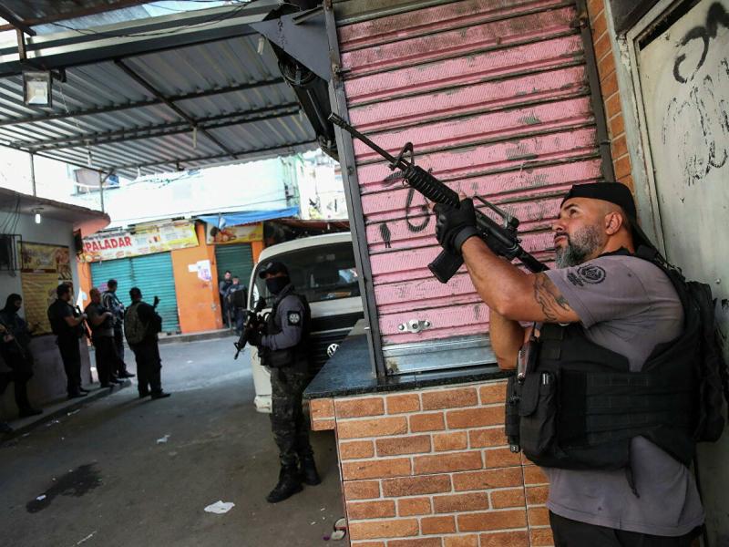 Рио-де-Жанейрода отишма юз берди. 25 киши ҳалок бўлди