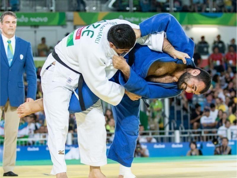 Токио-2020: Ширин Шарипов Паралимпия ўйинларидан четлатилди ва медалсиз қолди