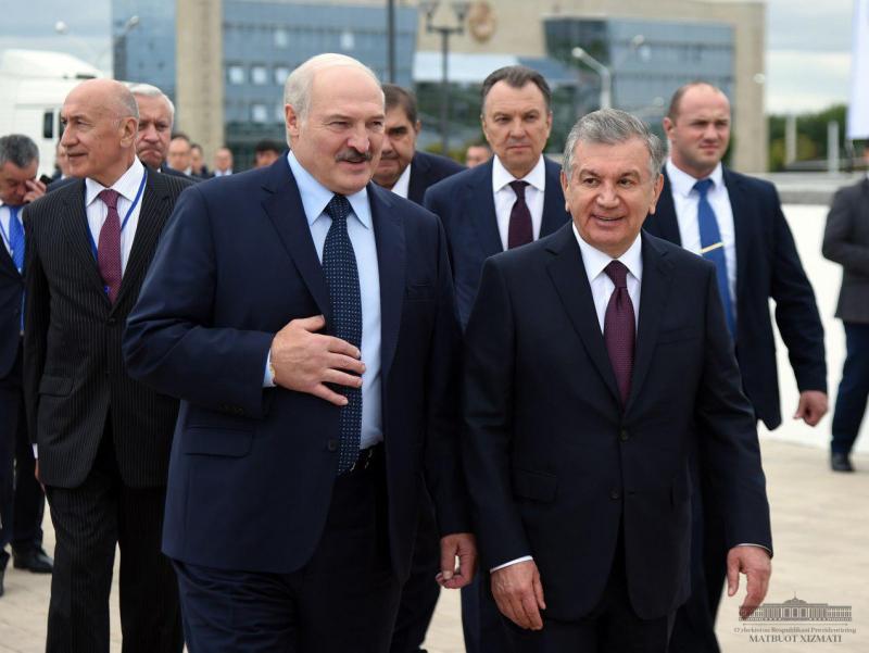 MDH sammitida Lukashenko Mirziyoyevga kutilmagan taklif bildirdi