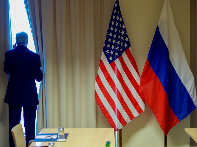 AQSH Rossiya diplomatlarini mamlakatdan chiqarib yubormoqchi