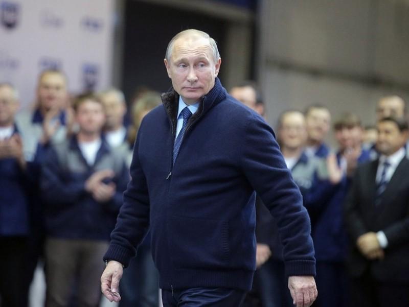 Путин карантинни қандай ўтказаётгани маълум бўлди
